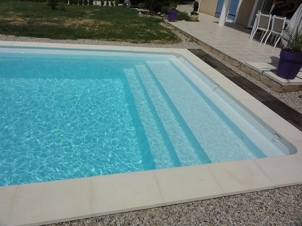 Piscine figuerolle 7 90 x 3 80 x 1 50 m g n ration for Coque piscine solde